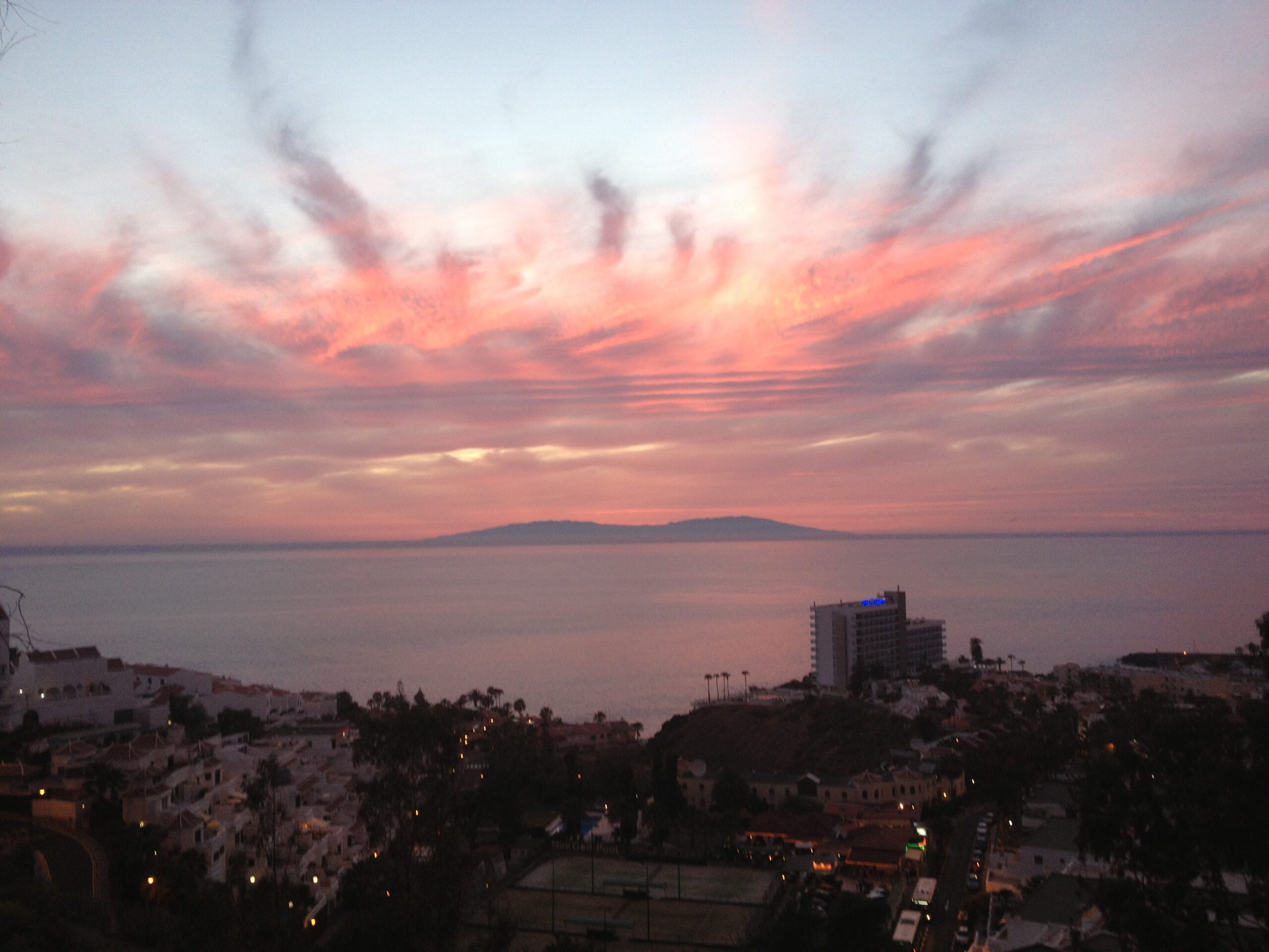 Юго-Запад Тенерифе: Плая-де-ла-Арена и Лос-Гигантес